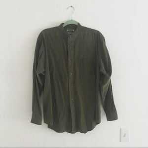 Vintage army green mock neck button up shirt